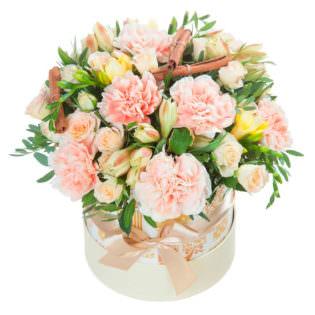 Цветы в коробке «Роскошь»