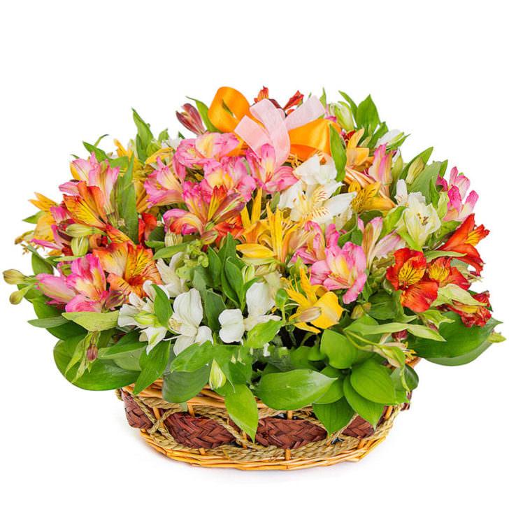 """Цветы в корзинке """"Краски весны"""""""